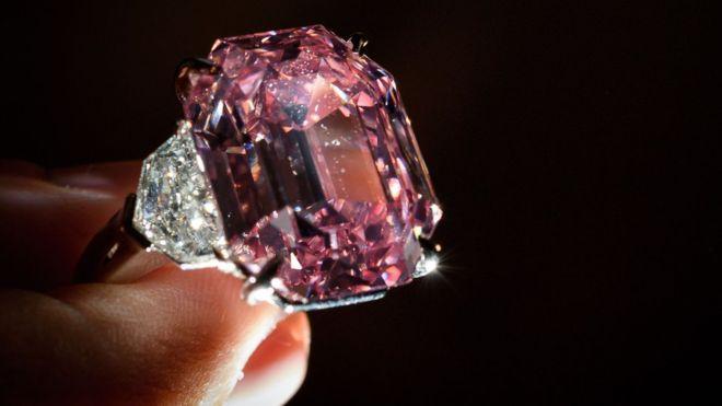 Shitet në ankand diamanti i rrallë
