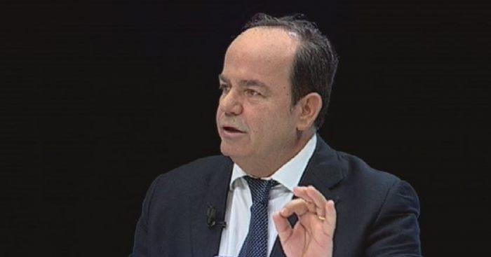 Kostitucionalisti Sokol Hazizaj  Për mua  Presidenti i Republikës ka të gjithë tagrin për të emëruar dhe shkarkuar ministrin