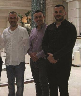 Denoncohet drejtori i doganës së Tiranës  Drilon Bushati  Ja si mbrohet nga Edvini dhe Ervini