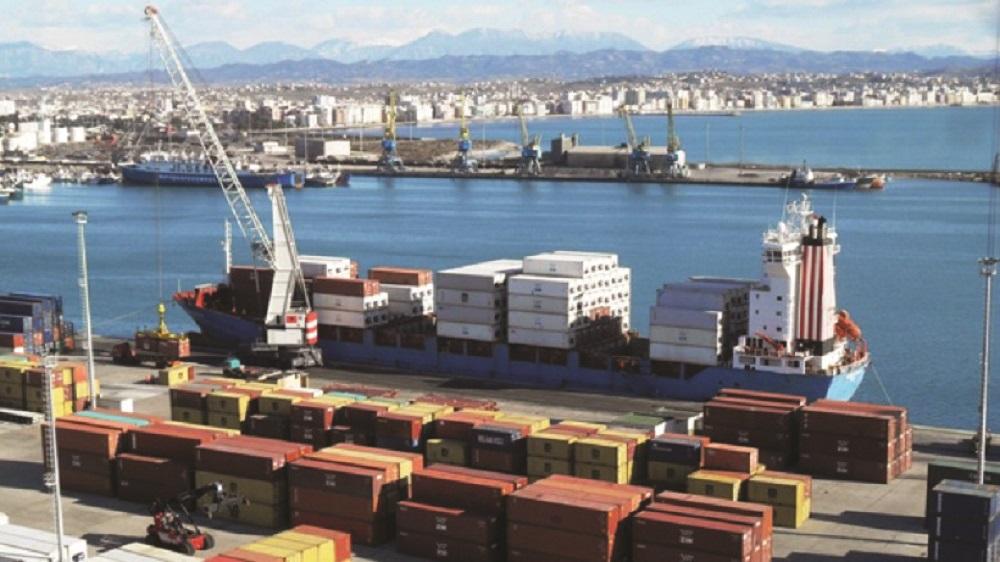 Eksportet e mallrave në gjendje krize bien me 6 3   deficiti rritet me 9