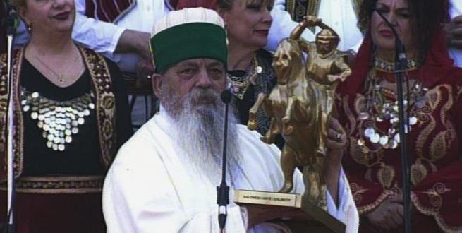 Kryegjyshi Botëror i Bektashinjëve  Baba Mondi feston ditëlindjen dhe bën gjestin fisnik