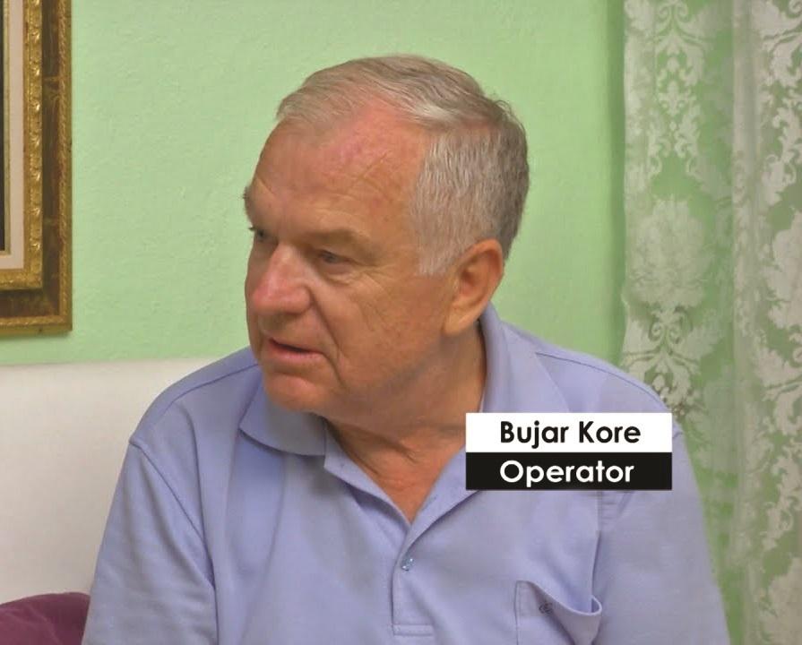 operatori-i-mirenjohur-bujar-kore-si-u-xhirua-ceremonia-e-varrimit-te-enver-hoxhes-dhe-renia-e-bustit-te-diktatorit