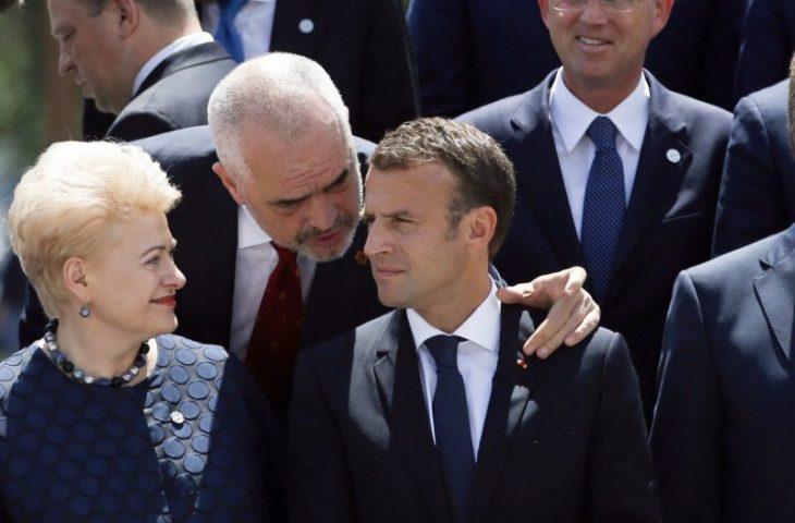 Përse Presidenti Macron nuk e begenisi  sulltanin  dhe stadiumin e tij