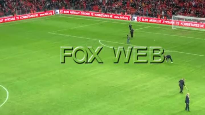 VIDEO   U bënë gropat gati për patate   ironia në rrjet me fushën e dëmtuar në  Air Albania Stadium