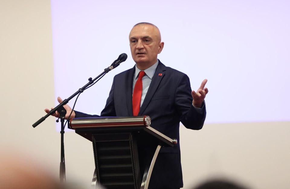 Presidenti Meta  Shqipëria dhe Kosova nuk mund të ekzistojnë pa shqiptarë  dhe sidomos pa të rinjtë dhe pa të rejat tona