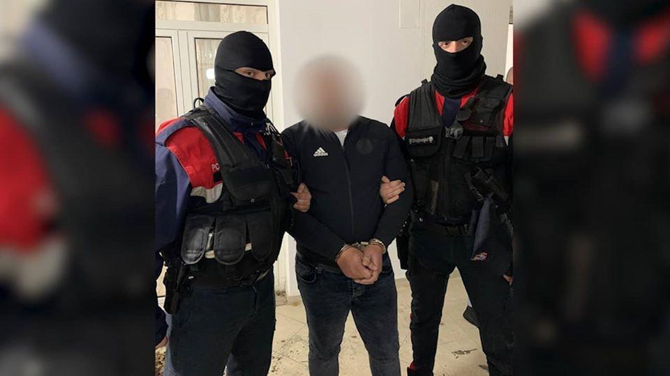 Ishte dënuar me 14 vite burg në Itali  arrestohet 34 vjeçari në Durrës  ja për çfarë akuzohet
