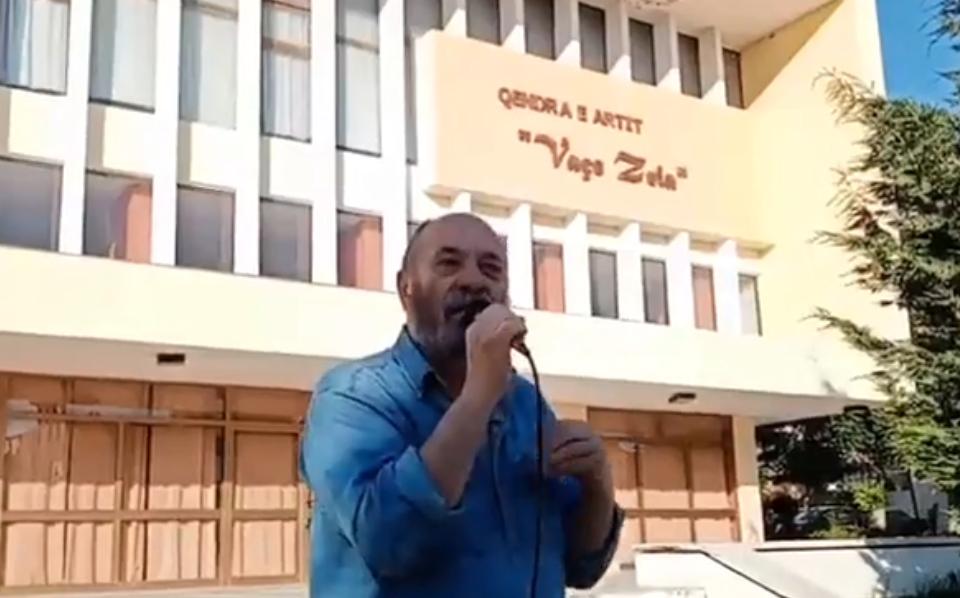 AMT firmos peticionin në Lushnje   Nuk jemi për parti të re  jemi për të bashkuar të gjithë qytetarët