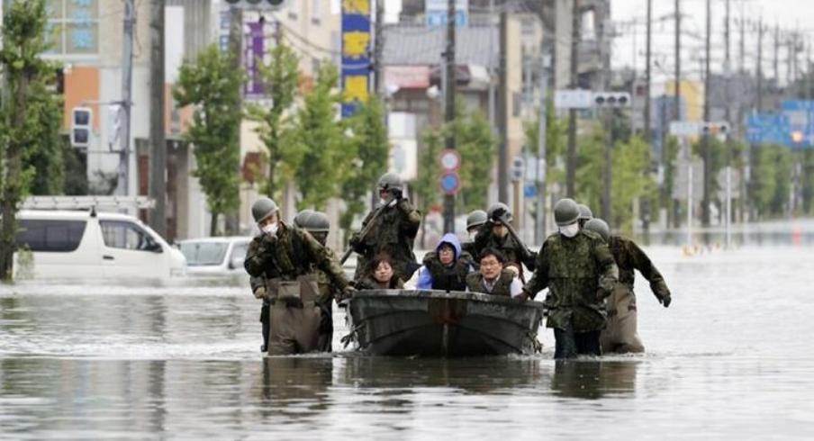 Përmbytje dhe rrëshqitje toke në Japoni  humbin jetën 63 persona