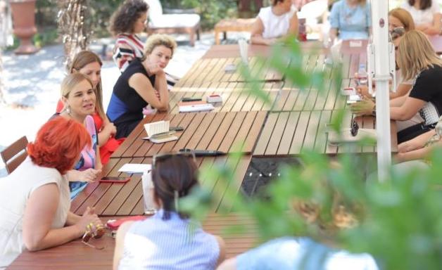 Prezantova paketën ekonomike të opozitës   Kryemadhi takim me gratë sipërmarrëse