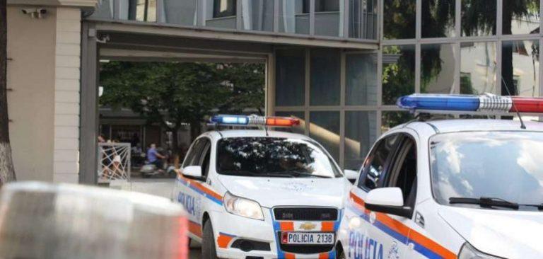 Tiranë  Arrestohen dy shtetas të shpallur në kërkim  ja akuzat ndaj tyre
