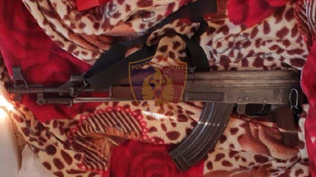 Automatik dhe drogë  arrestohet 26 vjeçari në Mirditë